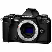 Olympus E-M5II Body black. Фотокамера